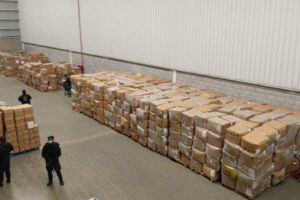 The México state warehouse in which hundreds of boxes of face masks were found.