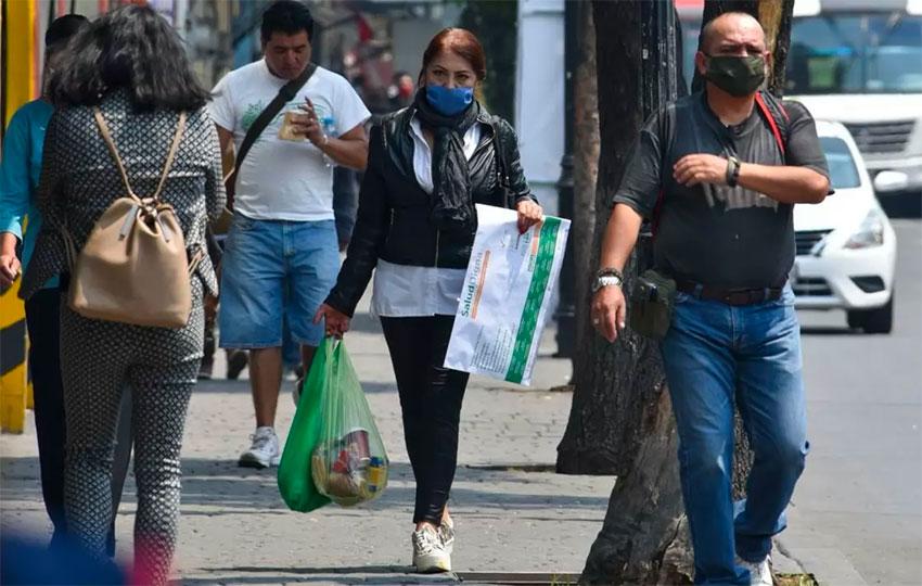 pedestrians with face masks