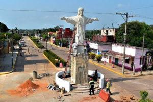 The new statue in Socunusco.
