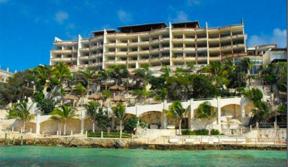 Hotels and other tourism businesses in Quintana Roo are eager to get health certification.