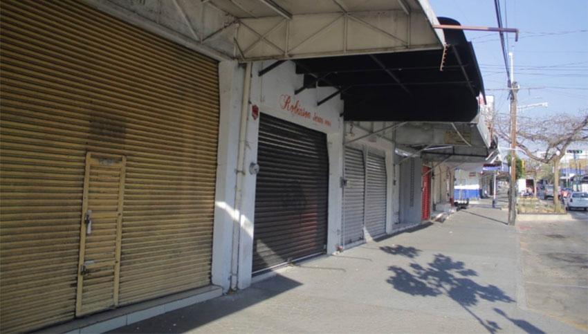 Stores in the Medrano garment zone in Guadalajara remain closed.