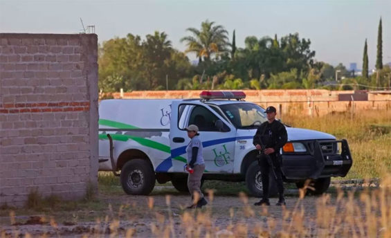 Officials continue to find bodies in Jalisco.