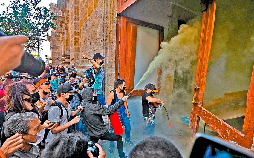 Protesters in Guadalajara yesterday.