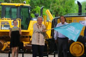 The president kicks off construction of the Maya Train.