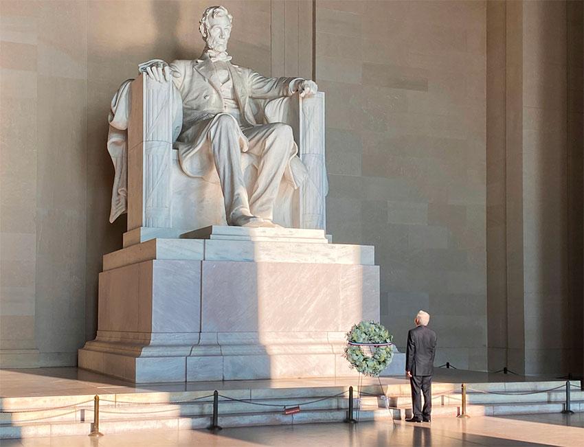 López Obrador at the Lincoln Memorial on Wednesday.