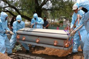 A coronavirus burial in Mexico.