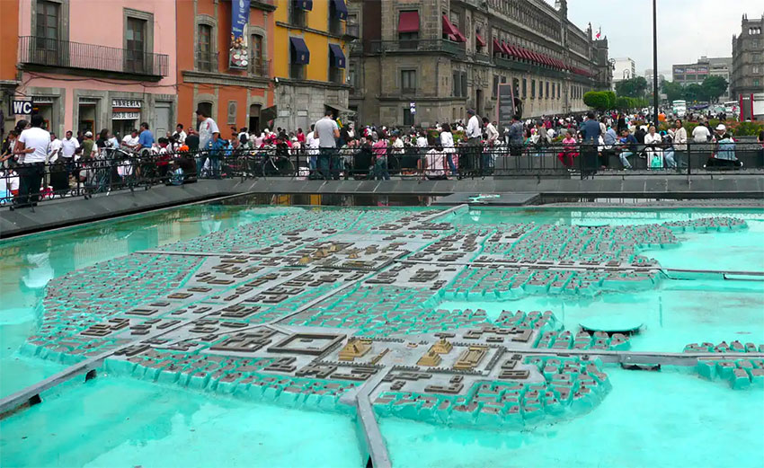 Replica of Tenochtitlán, with its causeways and canals.