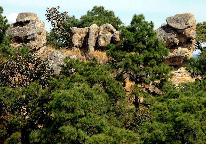 Bizarre rock shapes are found everywhere at Villa Felicidad.