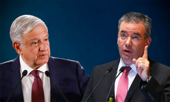 The president insinuated that Díaz, right, approved a suspicious loan to Pemex.
