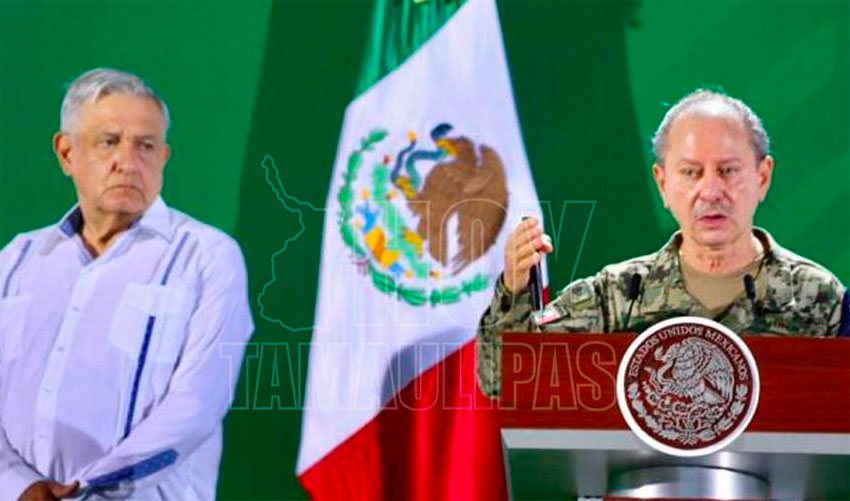 The president and Navy Minister Ojeda in Acapulco today.
