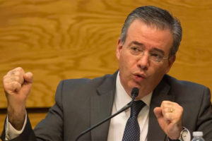 Central bank Governor Díaz: three forecasts developed due to coronavirus uncertainty.