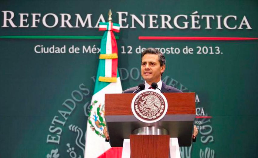 Former president Enrique Peña Nieto announces the energy reform package in 2013.