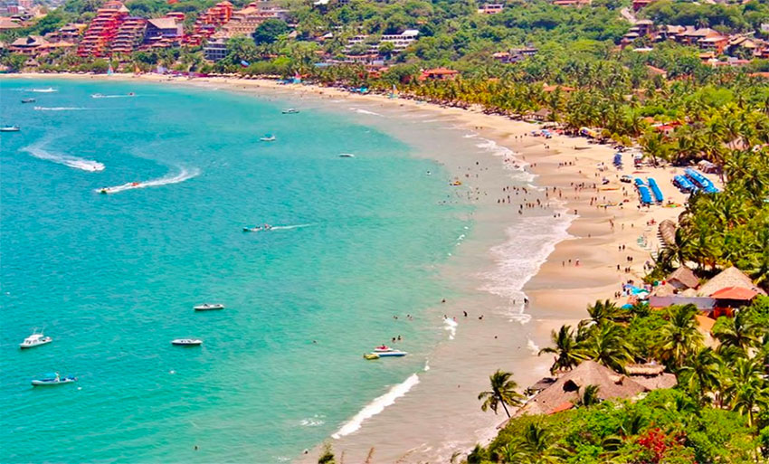 Zihuatanejo's La Ropa beach earns Blue Flag designation