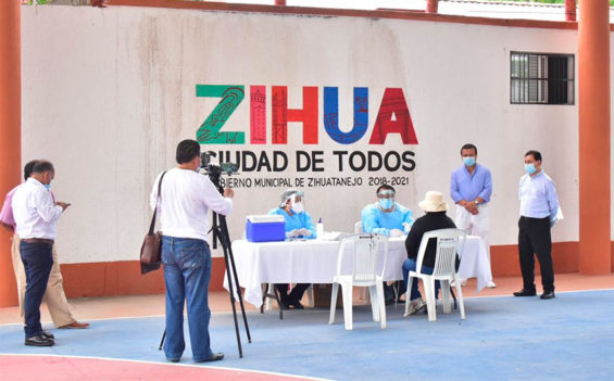 Covid-19 testing stations were set up a week ago in Zihuatanejo.