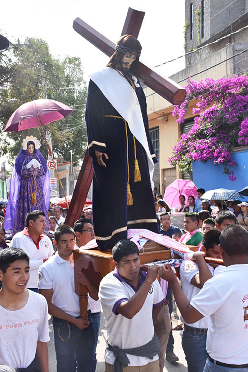 Los Varones están ocupados durante la Semana Santa.
