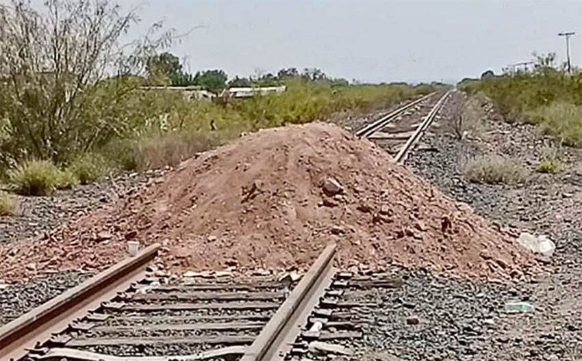 One of eight railway blockades in Chihuahua.