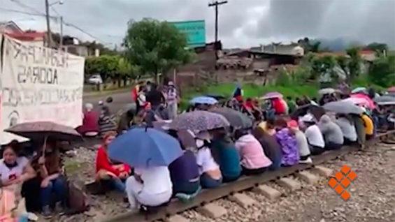 A railway blockade in Michoacán.