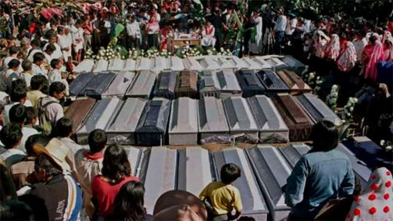 Funeral of the victims of the Chiapas massacre.