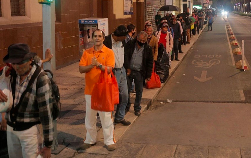 A food bank lineup in Mexico City.