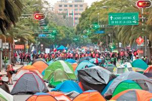 The anti-AMLO protest camp on Juárez Avenue.