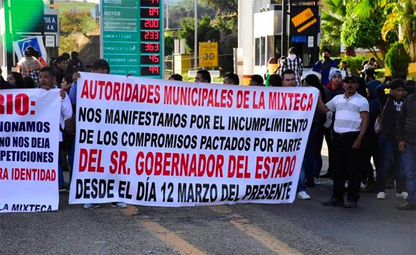 Oaxaca mayors commandeered the plaza at Huitzo, outside Oaxaca city.