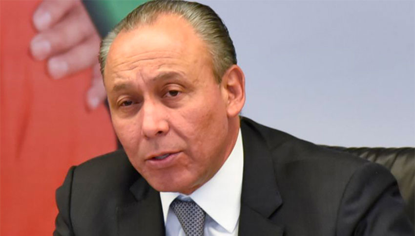 Former Chihuahua governor Reyes called the freezing of accounts 'political persecution.'