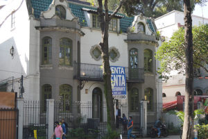 Casa Negra in Colonia Roma