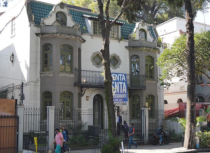 Casa Negra in Colonia Roma