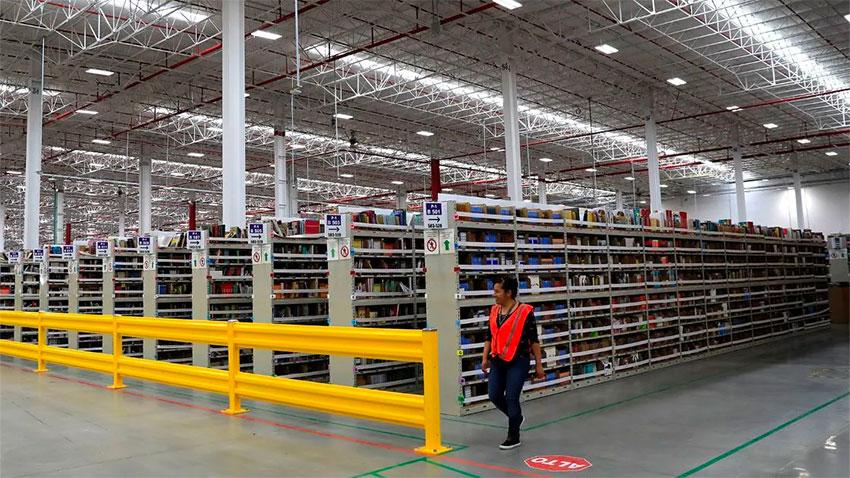 Amazon's fulfillment center in Tepotzotlán, México state.