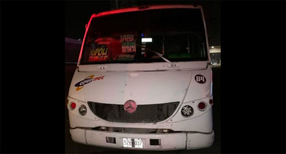 The thieves attempted to rob passengers near the Tepotzotlán toll plaza.