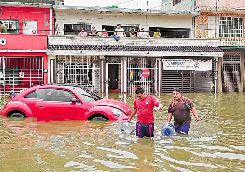 A flooded street in Villahermosa.