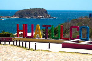 In Huatulco, the beaches are open.