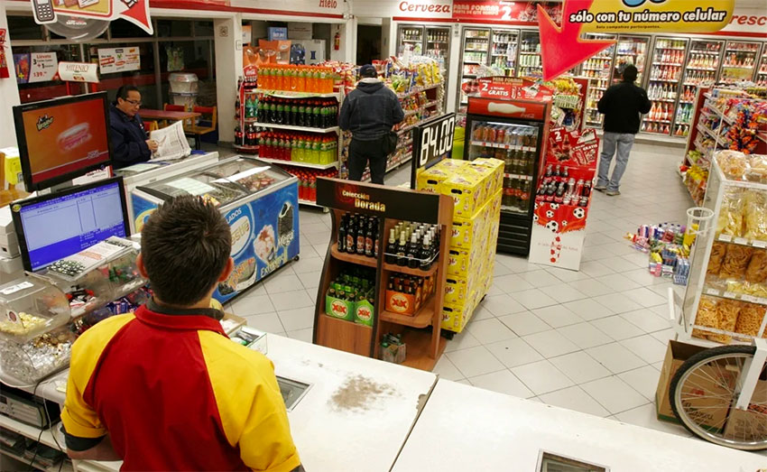 Convenience store workers' wages are too low, says lawmaker.