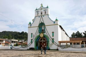 The community church of Chiapas's San Juan Chamula, on the main square. (Frans-Banja Mulder, CC)
