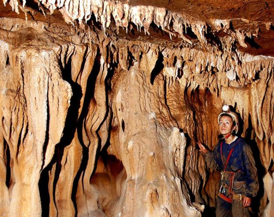 The strange beauty of this Michoacán cave hides dangerous bat guano droppings.