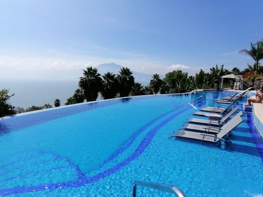 La Vita boutique hotel's boasts three thermal swimming pools and a spa.