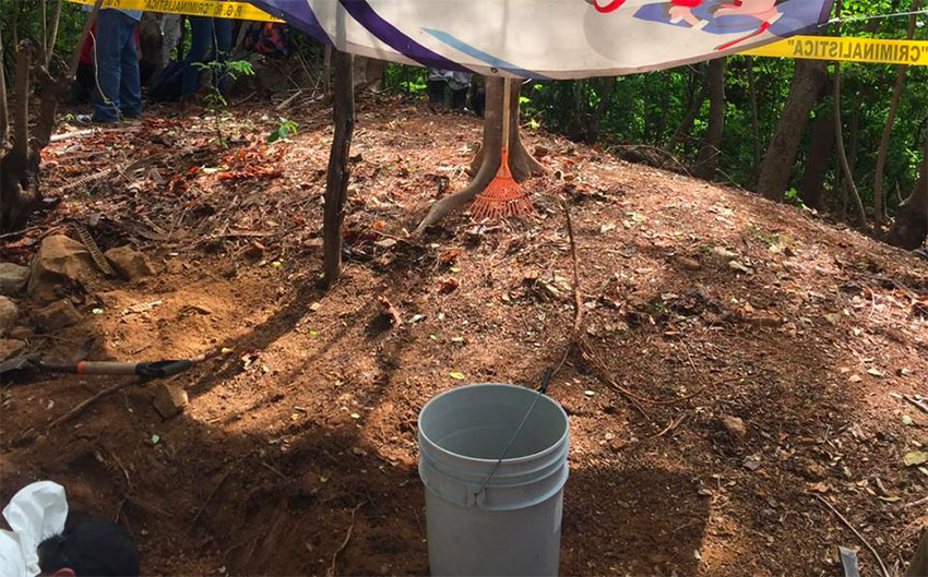 A gravesite found by searchers in Acapulco.