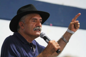 Mireles won national acclaim for standing up against cartels.
