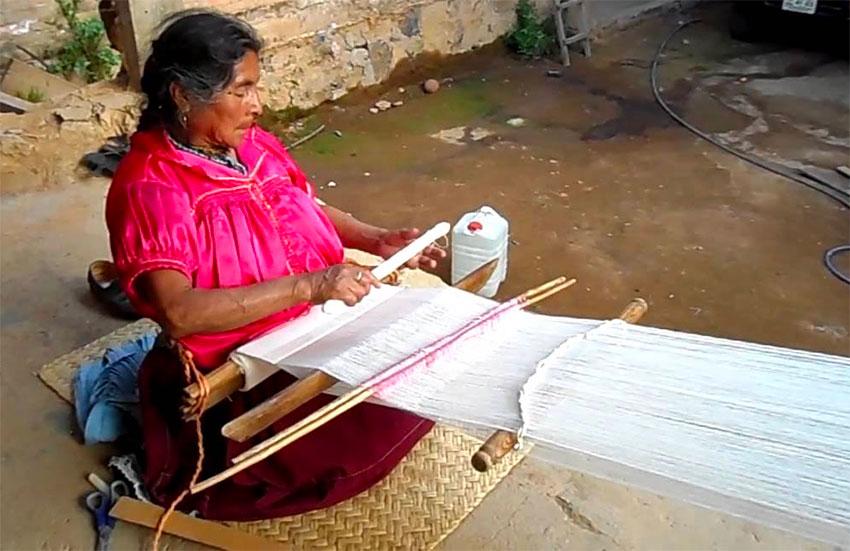 Purépecha weaver Domitila Basilio Galván at work.