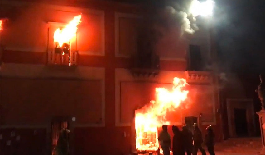 Fires burn at municipal headquarters in Fresnillo.