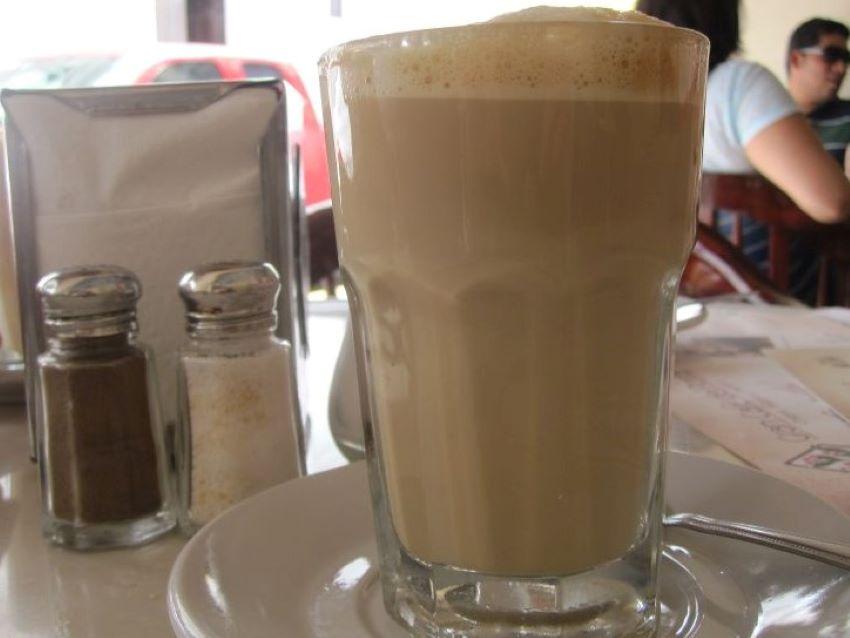 Café lechero is the specialty of La Parroquia Café in the port of Veracruz.