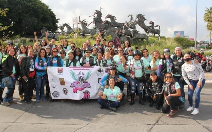 Breaking stereotypes, Mexico's women bikers steer their own path thumbnail