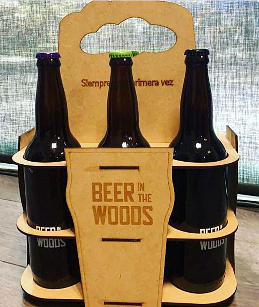 Los miembros del club reciben seis botellas de cervezas de muy diferente estilo.