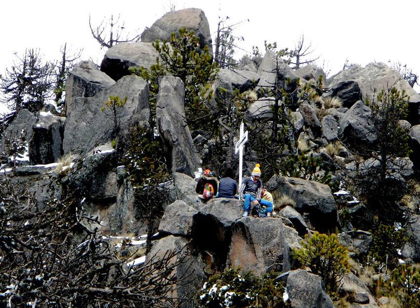 7—–ev-Cross-on-Eagles-Peak