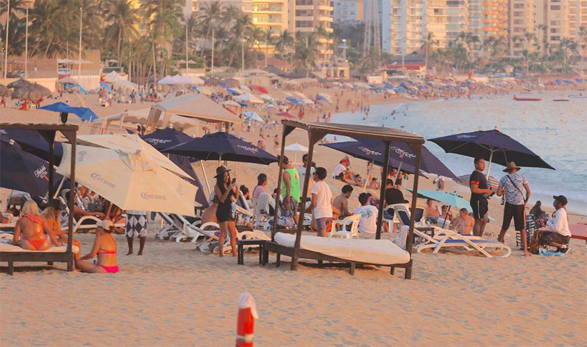 State declares Acapulco, Zihuatanejo medium-risk yellow for Covid-19 thumbnail