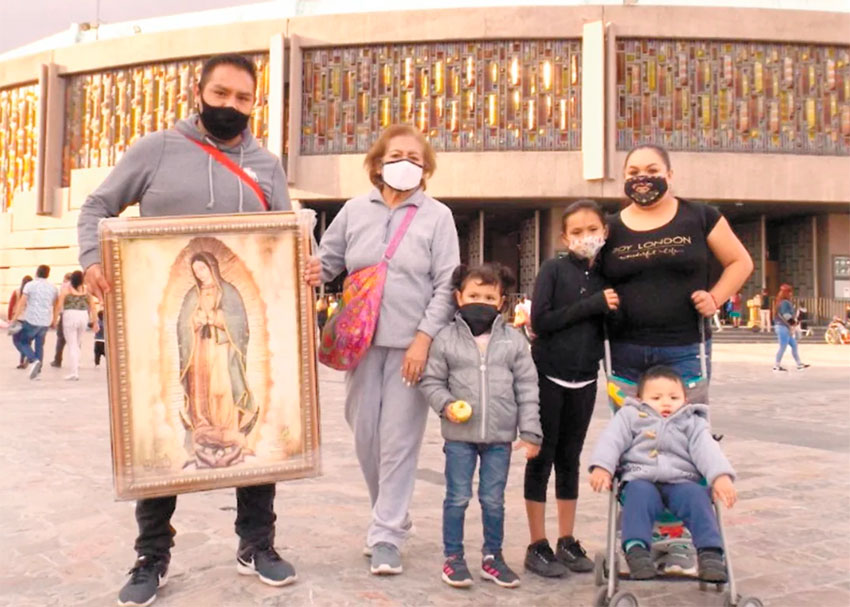 Faith trumps Covid: fear of coronavirus doesn't stop pilgrims to Guadalupe thumbnail
