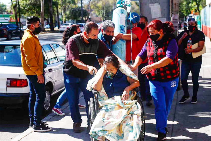 Doña Gabina's family were unable to find her a bed before she died on Monday.