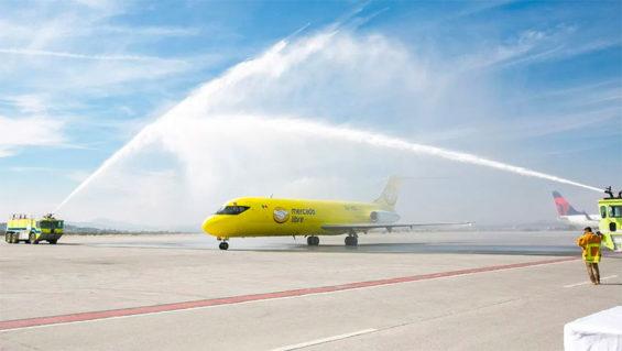 A Mercado Libre plane is 'baptized'