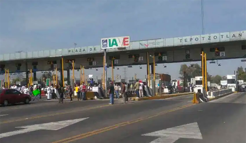 Foiled by efforts to stop hijacking, toll plaza thieves grab the cash instead