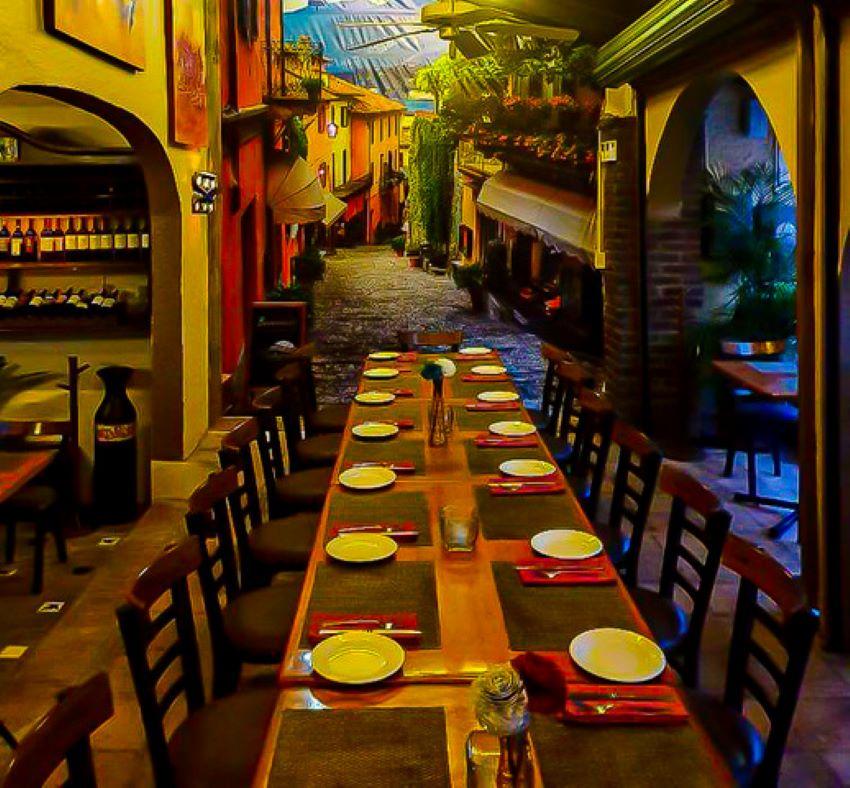 A long dining table at El Mediterraneo.